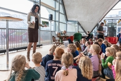 Litteratur og Billedkunst for barn. KsN i samarbeid med Tromsø Bibliotek, Utstillingen bestod av 40 illustrasjoner fra boken «Jakten på Nordlyset», forfatter Cecilie Lanes. Mai 2019