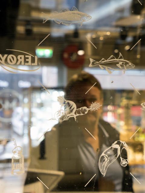 Estetisk kompetanse i formidlingsarbeid i reklame og restaurantbransjen. Feber design i Tromsø
